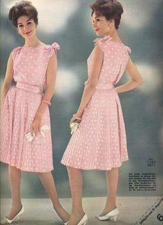 1962 60s And 70s Fashion, 60 Fashion, Women's Fashion Dresses, Retro Fashion, Vintage Fashion, Mode Vintage, Vintage Girls, Vintage Dresses, Vintage Style