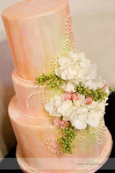 cake flowers    http://sophisticatedfloral.com/