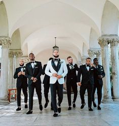 Grooms Attire Ideas For Your Wedding - photos groomsmen 33 Grooms Attire Ideas For Your Wedding Wedding Picture Poses, Wedding Poses, Wedding Photoshoot, Bridal Party Poses, Wedding Ideas, Wedding Album, Groomsmen Wedding Photos, Wedding Groom, Wedding Attire