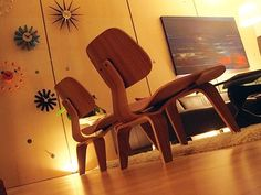 eames LCS chair