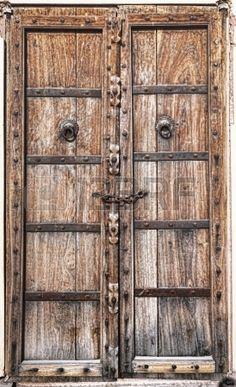 17275853-old-wooden-door-rajasthan-india.jpg (274×450)