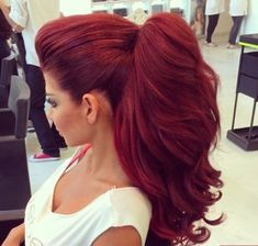 Love this red pony!! Get the look with our curly red extensions http://www.pinkboutique.co.uk/burgundy-curly-24-inch-instant-full-head-clip-in-hair-extensions.html Xx
