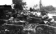 Tanks Renault FT-17 ofrm 1st Tank Regiment  at Dyneburg (early 1920).