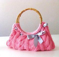 Clutch , Romantic Knitting Clutch in Rose, Pink No pattern but you can buy it off Dawanda...cute idea though.