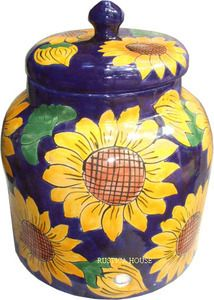 A talavera sunflower water crock is part of Rustica House Mexican tableware collection. This water crock model has been colonial in yellow and green over cobalt background. Talavera Pottery, Ceramic Pottery, Mexican Sunflower, Custom Range Hood, Sunflower Kitchen Decor, Moroccan Art, Mexican Kitchens, My Home Design, House Design