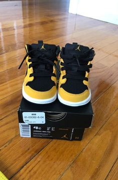 Cute Baby Shoes, Baby Boy Shoes, Cute Baby Clothes, Toddler Shoes, Kid Shoes, Babies Clothes, Toddler Boy Fashion, Baby Girl Fashion, Cute Outfits For Kids