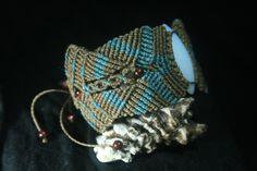 Bracelete macrame pedra da lua e olho de tigre. http://www.elo7.com.br/terral