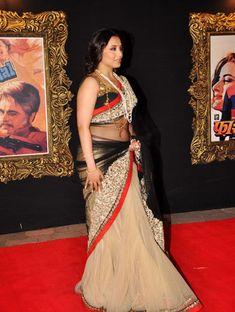 Rani Mukerji at Jab Tak Hai Jaan premiere Indian Actress Hot Pics, Indian Bollywood Actress, Most Beautiful Indian Actress, Bollywood Photos, Beautiful Girl In India, Beautiful Saree, Kajol Saree, Indian Navel, Saree Models