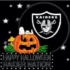Raider and Snoopy Halloween Raiders Sign, Raiders Stuff, Oakland Raiders Football, Raiders Baby, Snoopy Halloween, Happy Halloween, Halloween Stuff, Lucy Star, Lowrider Art