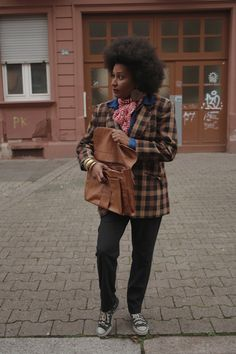 Fell in love with this plaid jacket and the color mix of brown, red, black and denim. Of course: all Items thrifted Plaid Jacket, Workwear, Red Black, Color Mixing, Thrifting, Blazer, Denim, Brown, Winter