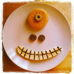 Funny Food Friday: pasti mostruosi - monster meals it's a good idea for Funny Food, Food Humor, Bento, Children, Kids, Panna Cotta, Friday, Meals, Ethnic Recipes