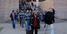 """İzmir'de """"Paralel Yapı"""" Operasyonu: 17 Tutuklu!"""