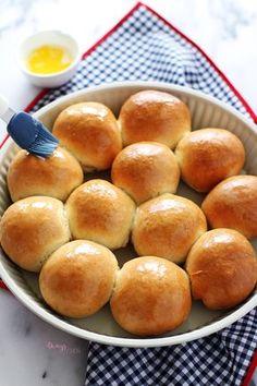 Hem de ne pratik! Mutfak tezgahına kurulduktan 1 saat sonra yumuşacık pamuk ekmeklerime Nutella sürüyordum.. Hesabı siz yapın :) Evi sara...