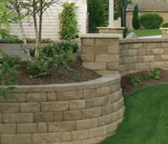 Bayfield Retaining Walls Venice for front yard?
