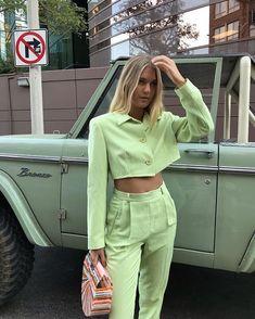 Fashion 2019 New Moda Style - fashion Classy Outfit, Outfit Look, Streetwear Mode, Streetwear Fashion, Picture Outfits, Cute Outfits, Look Fashion, Fashion Outfits, Fashion Tips