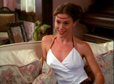 Phoebe Charmed, Serie Charmed, Charmed Tv Show, Charmed Sisters, Alyssa Milano Charmed, Alyssa Milano Hot, Phoebe And Cole, Tv Show Outfits, Black Magic Woman