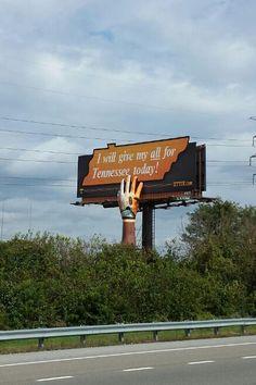 GO Vols! I love this billboard! Tn Vols Football, Tennessee Volunteers Football, Tennessee Football, Best Football Team, Tennessee Titans, Football Tailgate, Football Crafts, Oregon Ducks Football, Notre Dame Football