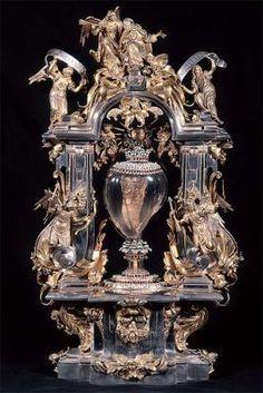 Corazón incorrupto de Santa Teresa Religious Images, Religious Art, Christian Ronaldo, Egypt Jewelry, Sainte Therese, D Avila, Sacred Art, Ancient Art, Antiques