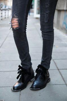 Ripped Chaussure, Tenue Chic Rocker, Mode Jeans, Mode Élégante, Bottes De  Chanel c0d088cda657