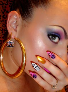 A bit of Zebra by Scratch Dollface I love her work ! Nails Now, My Nails, Simple Nail Designs, Nail Art Designs, Claw Nails, Pointy Nails, Artificial Nails, Nail Fashion, Mens Fashion