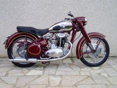 Photo Gallery 4 - JAWA CZ Owners Club Motos Vintage, Vintage Bikes, Vintage Cars, Classic Motors, Classic Bikes, Vintage Motorcycles, Cars And Motorcycles, Moto Jawa, Jawa 350