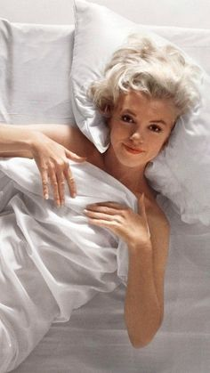 Marilyn Monroe Today would have been the time how the litigation registered versus defendants John Estilo Marilyn Monroe, Marilyn Monroe Fotos, Marilyn Monroe Makeup, Brigitte Bardot, Classic Hollywood, Old Hollywood, Marilyn Monroe Artwork, Marylin Monroe Pictures, Art Visage