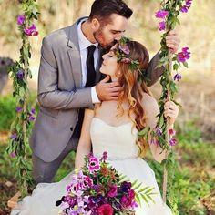 Quem mais aí é apaixonada por balanços? Por aqui, nós amamos!  via @de.repente.noiva #boanoite #inspiração #balanço #fotodecasal #decoração #casamento #tonoiva #voucasar #euquero #noivacapixaba #casamentodedia #casamentonocampo #casamentoboho #bohowedding #miniwedding #detalhes #noivaboho #buquê #bohobride #decor #bouquet #boho #estilo
