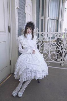 #shirololita #lolitafashion #bonnet #whitelolita