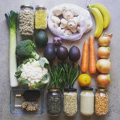 🌏💚 Zero waste grocery shop - bulk things from the bulk store, fruit and veggies from the fruit and veggie store, and ice creams from the… Fruit And Veg, Fruits And Veggies, Fresh Fruit, Vegetables, Healthy Fruits, Healthy Recipes, Healthy Food, Healthy Fridge, Bulk Store