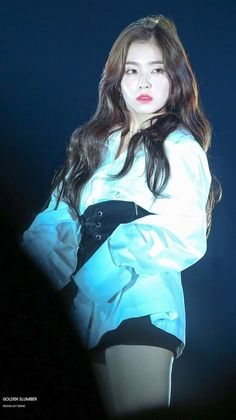 Uploaded by Xxx. Find images and videos about white, red and Queen on We Heart It - the app to get lost in what you love. Park Sooyoung, Snsd, Seulgi, Fan Picture, Red Velvet Irene, Velvet Fashion, Stage Outfits, Female Singers, K Idols