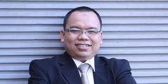 "KIBLAT.NET, Jakarta – Koordinator Indonesian Crime Analyst Forum (ICAF) Mustofa B. Nahrawardaya memandang apa yang didapat oleh pihak keluarga Siyono korban Densus 88 baru ini dengan mendapatkan tekanan dari aparat untuk tidak menuntut, merupakan bentuk pelanggaran hukum. Apalagi kematian Siyono ini masih misterius belum diketahui secara ilmu kedokteran. ""Pembunuhan Siyono ini masih misterius belum diketahui …"
