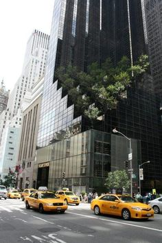 Trump Tower is a mixed-use skyscraper located at 725 Fifth Avenue, at the corner of East Street in Midtown Manhattan, New York City. It was developed by Donald Trump New York Street, New York City, Monuments, Manhattan, New York Buildings, Voyage New York, City Aesthetic, City That Never Sleeps, Concrete Jungle