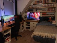 Gamer Bedroom, Bedroom Setup, Small Room Bedroom, Small Bedroom Inspiration, Gaming Room Setup, Pc Setup, Small Game Rooms, Music Studio Room, Video Game Rooms