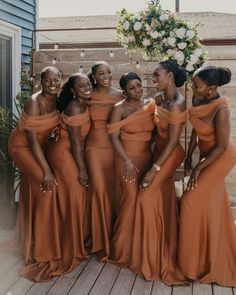 """Wedding Chicks® on Instagram: """"When your squad looks this good, you just have to share! For more bridesmaid inspo, visit link in bio. . . Via: @munaluchibride Bride:…"""" Bridesmaid Dresses, Wedding Dresses, Cotton, Fashion, Bridesmade Dresses, Bride Dresses, Moda, Bridal Gowns, Fashion Styles"""