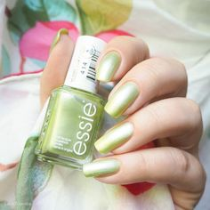 swatch essie reggae and rum Tropical Lights Collection 2016