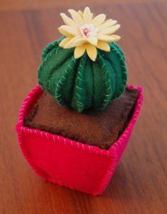 Felt Cactus: I LOOOOVE this!! by AFiskie