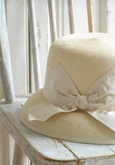 Chapéus femininos - chapéu palha bege e laço