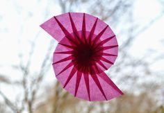 Spiralen an die Fenster | fadenspiel und fingerwerk