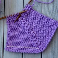 Easy Knitting Patterns, Knitting Stitches, Knitting Needles, Baby Knitting, Mitered Square, Desi Wedding Dresses, Knitted Baby Clothes, Crochet Videos, Baby Booties