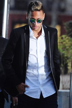 "barcelonaesmuchomas: "" Neymar leaves the High Court after testifying before a judge in Madrid, February 2, 2016. """