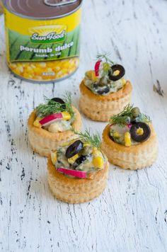 Salata de peste afumat cu porumb - Din secretele bucătăriei chinezești Sushi, Camembert Cheese, Picnic, Cheesecake, Dairy, Desserts, Food, Salads, Tailgate Desserts