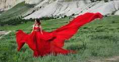 I Travel The World In A Flowy Dress To Take Self-Portraits In The Most Beautiful Places | Bored Panda
