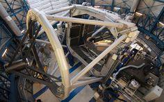 L'instrument Sphere équipe le VLT de l'ESO depuis 2014 avec le difficile objectif d'une imagerie directe d'exoplanètes. Après un faux départ, c'est désormais chose faite. Cette première image...