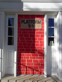My easy DIY Platform 9 3/4 for Harry Potter Halloween