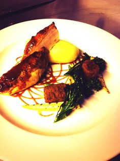 @Lawson_chef  BBQ glazed chicken, southern fried thigh, smoked potato and charred tender stem brocolli @MidHandleyDev