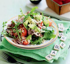 Roast beef, rice and rocket salad