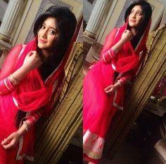 Shivangi@shivangijoshi18 Shivangi Joshi Instagram, Kartik And Naira, Cutest Couple Ever, Stylish Dpz, Girls Dpz, Beautiful Saree, Bollywood Celebrities, Indian Designer Wear, Cute Couples
