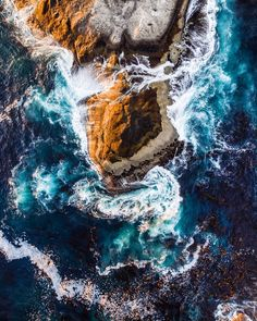 Stunning shot by @jaycabozlandscapes (IG)👌 Girl Wallpaper, Cape Town, Instagram Accounts, Cool Pictures, Waves, Photo And Video, Landscape, Outdoor, Image