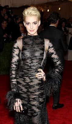Anne Hathaway in vintage Valentino Haute Couture