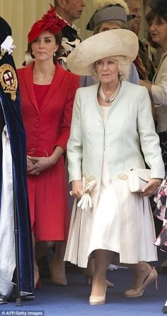 dailymail:  Order of the Garter Service, June 13, 2016-Duchess of Cambridge and Duchess of Cornwall curtsy to Queen Elizabeth